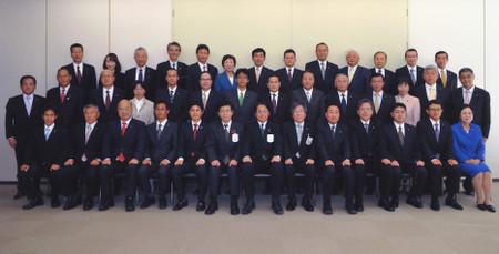 岡崎市議会議員37名、市当局幹部、市長