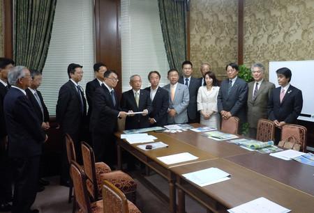 新東名高速道路建設促進協議会
