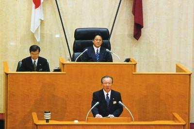 内田やすひろ 愛知県議会議長