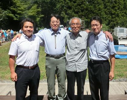 青山周平さん、私、杉浦正健先生、中根よしたかさん