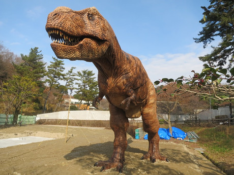 東公園・ティラノサウルス
