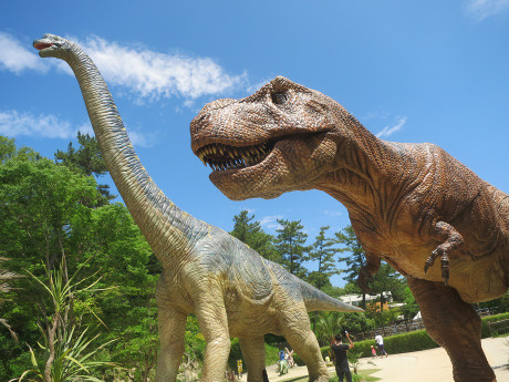 恐竜モニュメント(岡崎市東公園)