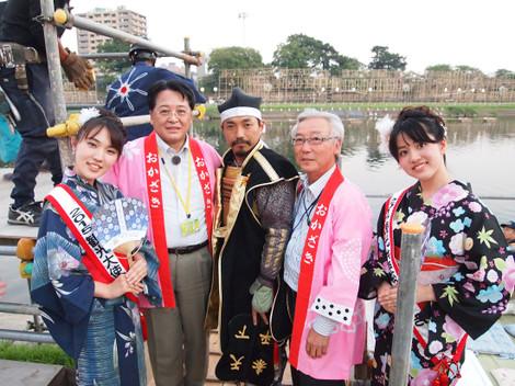 馬場小雪さん、内田康宏、家康公、志賀爲宏会長、須貝美咲さん
