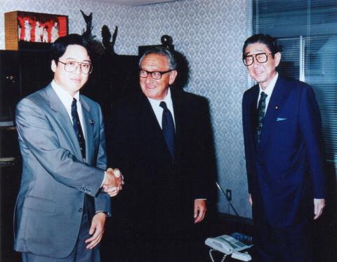 安倍晋太郎先生、ヘンリー・キッシンジャー元国務長官
