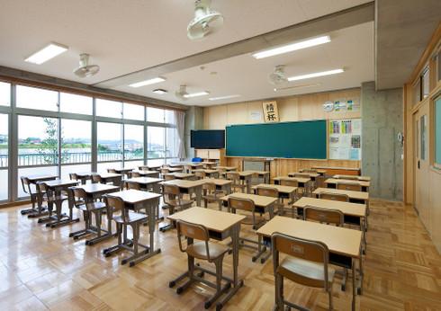岡崎市、普通教室