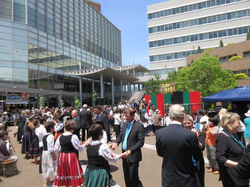 ウッデバラ市使節団と合唱団(2018年5月20日)