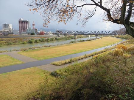 福井市・足羽川