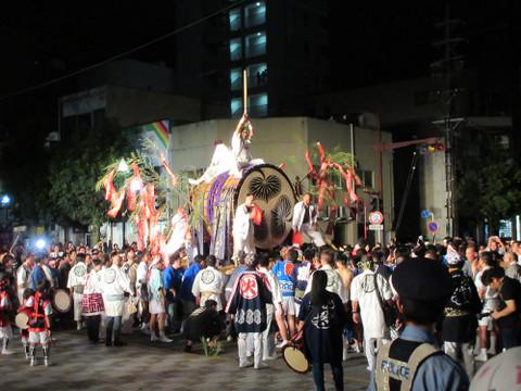 八丁味噌仕込み桶大太鼓総担ぎ(2017年8月4日)