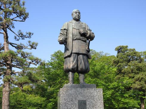 岡崎公園、徳川家康公像